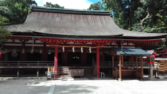 石上神宮の厳かな感じ。神社巡りは凛としますね