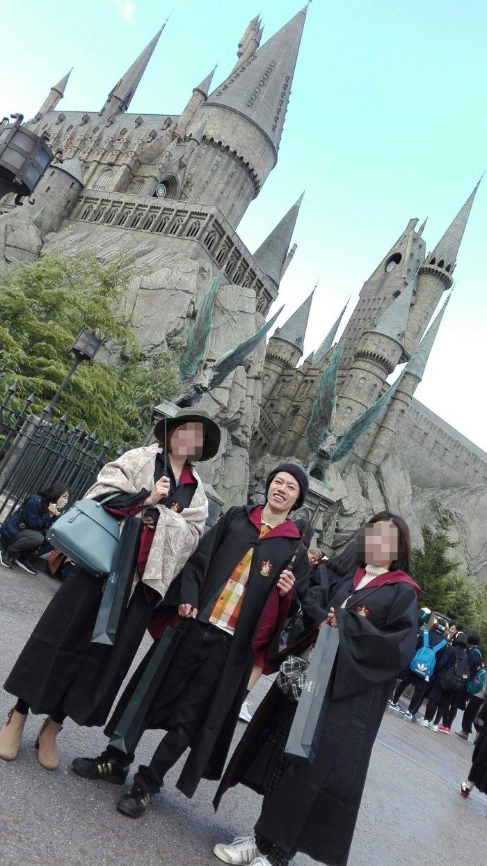 ホグワーツ魔法魔術学校前で撮影