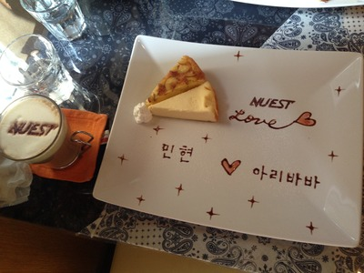 "K-POP cafe ""COLORS""のラテアート・プレートアート"